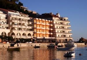 Отель на первой линии моря